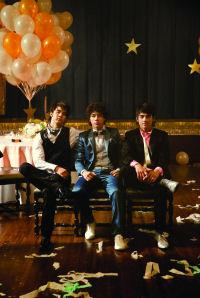 Jonas Brothers: Boxershorts mit Bodyguard. <small>Foto: Universal Music</small>