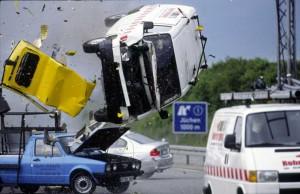 Alarm für Cobra 11: Flüchtende Gangster überschlagen sich beim Überholmanöver. Foto: RTL