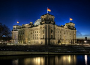 Ich kann Kanzler: Der Gewinner der ZDF-Castingshow darf zwar nicht in den Reichstag einziehen, erhält aber ein Praktikum im Bundeskanzleramt. Foto: © Sliver - Fotolia.com